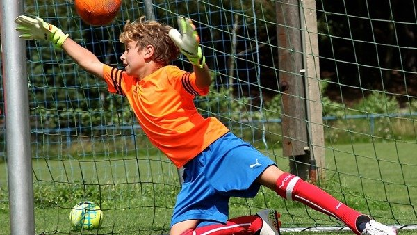 LUTON TOWN FC - ELY WAY TRAINING GROUND | OCTOBER HALF TERM TECHNICAL GOALKEEPER ONE DAY CAMP | FRIDAY 30TH OCTOBER
